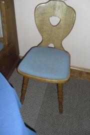 2 Stühle massiv