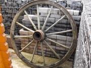 3 Antike Wagenräder
