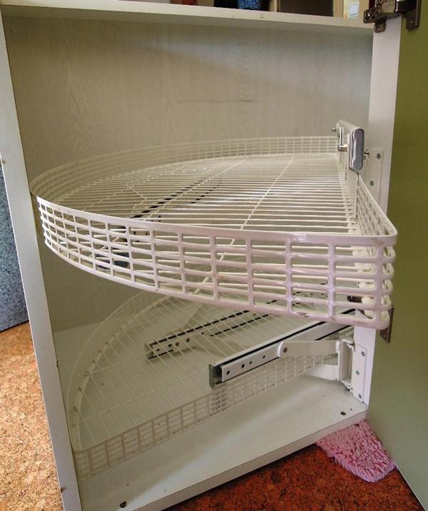 Ikea kuche rondell valdolla for Küchenschrank karussell