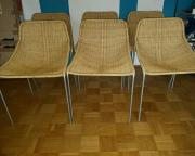 6 Stühle aus