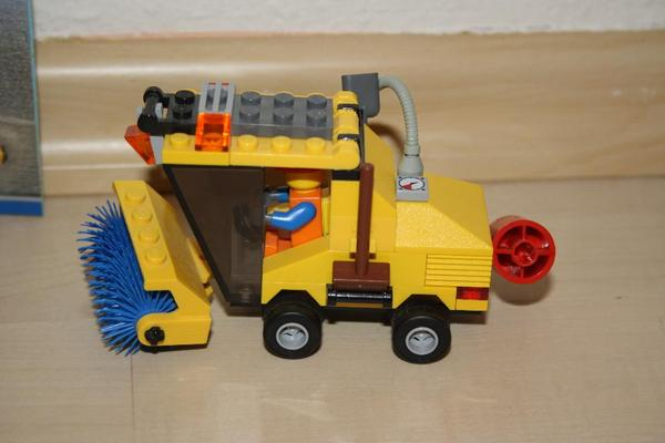 Spielzeug lego playmobil kehrmaschine neuwertig