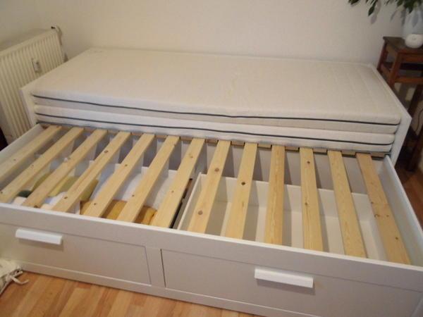 sofa tagesbett brimnes von ikea zu verkaufen schwabach. Black Bedroom Furniture Sets. Home Design Ideas