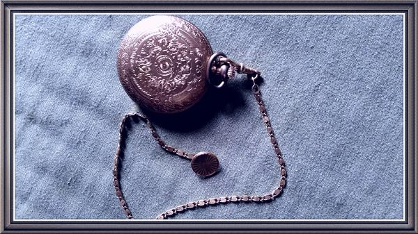 alte taschenuhr und alte perlenkette zu verkaufen in kehl uhren kaufen und verkaufen ber. Black Bedroom Furniture Sets. Home Design Ideas
