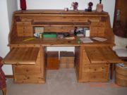 Alter abschließbarer Schreibtisch