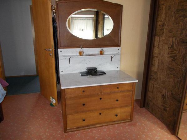 Antike kommode waschtisch mit marmoraufsatz in loffenau for Antike waschtische