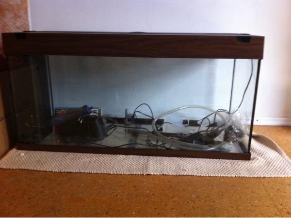 aquarium komplett von juwel modell rio180 in braun ca. Black Bedroom Furniture Sets. Home Design Ideas