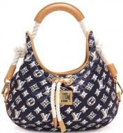 Authentic Louis Vuitton Cruise Collection Limited Edition Bulles Mm Hobo Bag Authentic Louis Vuitton limited edition navy blue monogram Bulles MM hobo handbag. Features gold-tone hardware, natural cowhide leather trim, white ... 300,- D-97513Michelau Prüß - Authentic Louis Vuitton Cruise Collection Limited Edition Bulles Mm Hobo Bag Authentic Louis Vuitton limited edition navy blue monogram Bulles MM hobo handbag. Features gold-tone hardware, natural cowhide leather trim, white