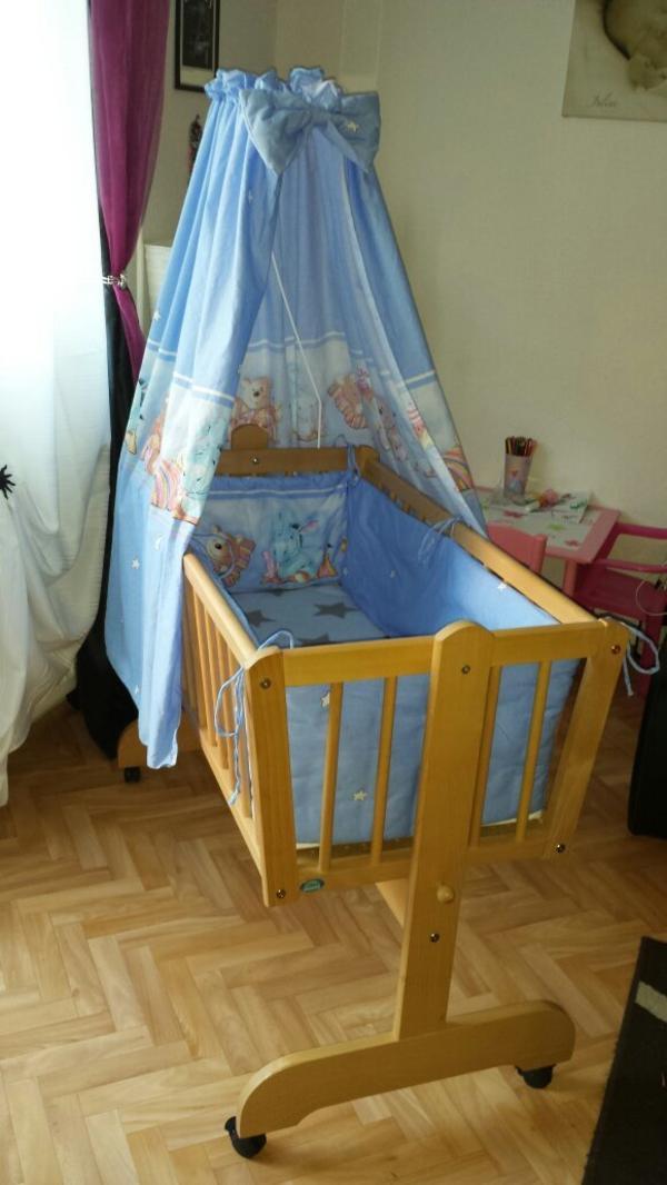wiegen babybetten reisebetten g 252 28 images babybett mit sehr gut erhaltener matratze in. Black Bedroom Furniture Sets. Home Design Ideas