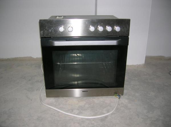 backofen mit cerankochfeld von beko in roth k chenherde grill mikrowelle kaufen und. Black Bedroom Furniture Sets. Home Design Ideas