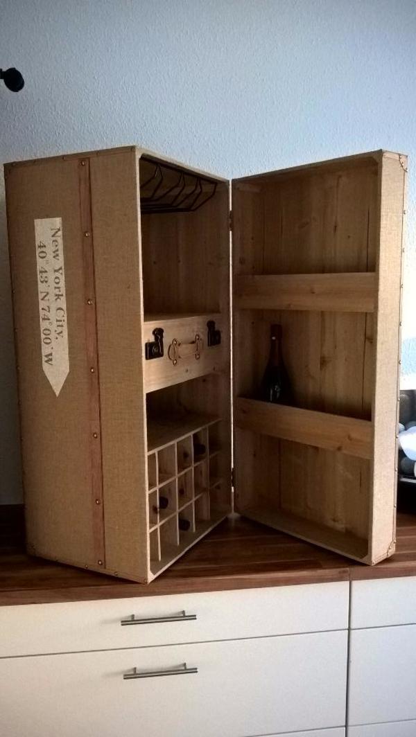 wanddekoration wohnzimmer gelb. Black Bedroom Furniture Sets. Home Design Ideas