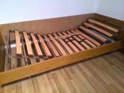 Bett mit beidseitig