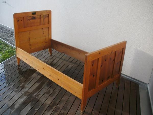 bettgestell antik massivholz 2st ck in hard betten kaufen und verkaufen ber private. Black Bedroom Furniture Sets. Home Design Ideas