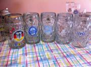 Bierkrüge und Gläser