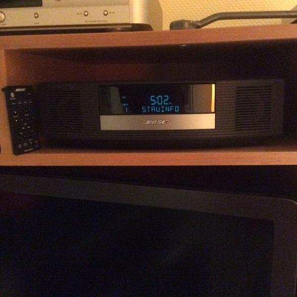 bose wave radio kaufen gebraucht und g nstig. Black Bedroom Furniture Sets. Home Design Ideas