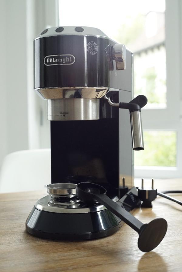 de longhi espressomaschine kaffeemaschine mit milchaufsch umer in ostfildern kaffee. Black Bedroom Furniture Sets. Home Design Ideas