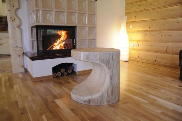 handgefertigter couchtisch aus einem massiven baumstamm es handelt sich hierbei um ein. Black Bedroom Furniture Sets. Home Design Ideas
