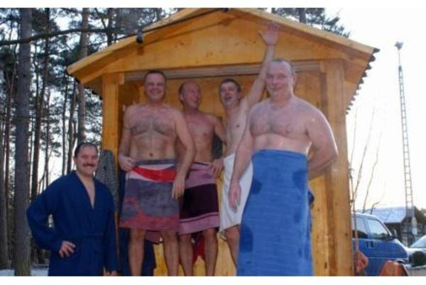 die mobile sauna und badezuber zum mieten rent sauna. Black Bedroom Furniture Sets. Home Design Ideas