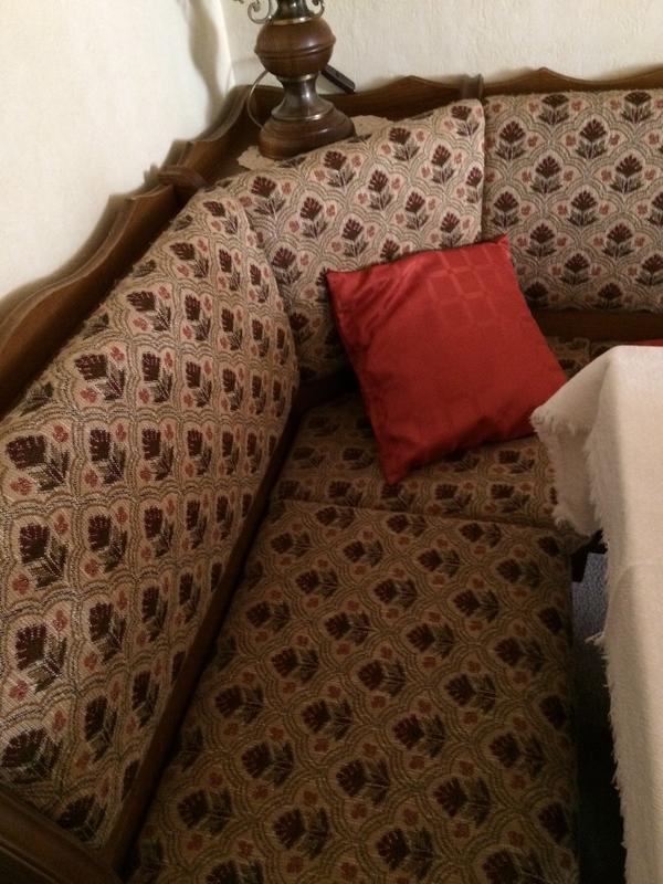 eckbank eiche rustikal zu verschenken in hanau speisezimmer essecken kaufen und verkaufen. Black Bedroom Furniture Sets. Home Design Ideas