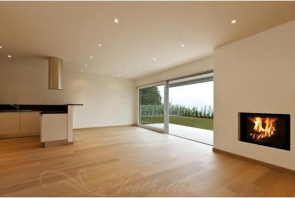eiche landhausdiele natur bis selekt geb rstet ge lt. Black Bedroom Furniture Sets. Home Design Ideas