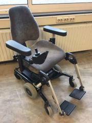Elektrischer Rollstuhl Real