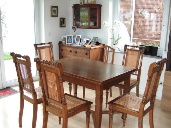 esszimmer antik tisch st hle kommode h ngeschrank in g rtringen stilm bel bauernm bel. Black Bedroom Furniture Sets. Home Design Ideas
