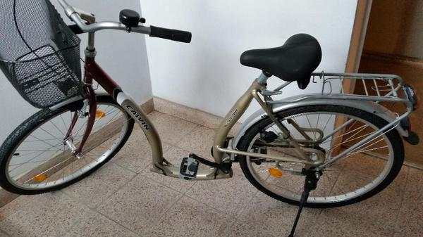 fahrrad mit tiefem einstieg von calvin ca 700 farbe. Black Bedroom Furniture Sets. Home Design Ideas