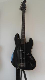 Fender Aerodyne Jazz Bass Top gepflegter Fender Aerodyne Jazz Bass, Schwarz, 5-Saiter, kaum gespielt, neu besaitet (Original Fender Saiten), super Klang!!! Aus Zeitmangel zu ... 550,- D-72127Kusterdingen Heute, 13:46 Uhr, Kusterdingen - Fender Aerodyne Jazz Bass Top gepflegter Fender Aerodyne Jazz Bass, Schwarz, 5-Saiter, kaum gespielt, neu besaitet (Original Fender Saiten), super Klang!!! Aus Zeitmangel zu