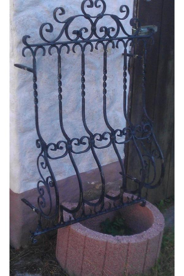 fenstergitter sicherheitsgitter einbruchschutz aus eisen handarbeit. Black Bedroom Furniture Sets. Home Design Ideas