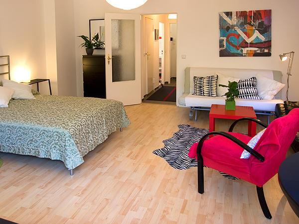 ferienwohnung apartment fewo berlin zentrum ab 35eur. Black Bedroom Furniture Sets. Home Design Ideas