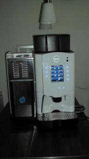 Gastro Kaffeevollautomat / Carimali