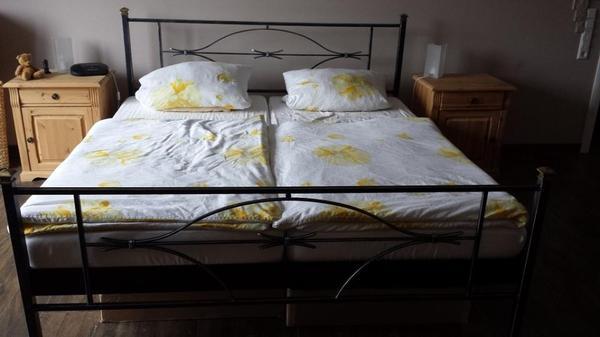 Haushaltsauflösung Schlafzimmer Schrank Landscape & Doppel-Bett ...