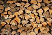 Heimisches Brennholz zu