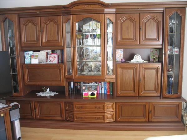 nussbaum schrank kleinanzeigen schr nke vitrinen. Black Bedroom Furniture Sets. Home Design Ideas