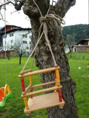 Holzschaukel