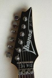 Ibanez Joe Satriani JS1 Custom Guitar Gitarre Wegen Verkleinerung meiner Sammlung verkaufe ich hier ein Schätzchen: Orignal Ibanez JOE SATRIANI Signature aus 1991. Topmodell des Meisters, mit ... 950,- D-69412Eberbach Heute, 14:02 Uhr, Eberbach - Ibanez Joe Satriani JS1 Custom Guitar Gitarre Wegen Verkleinerung meiner Sammlung verkaufe ich hier ein Schätzchen: Orignal Ibanez JOE SATRIANI Signature aus 1991. Topmodell des Meisters, mit