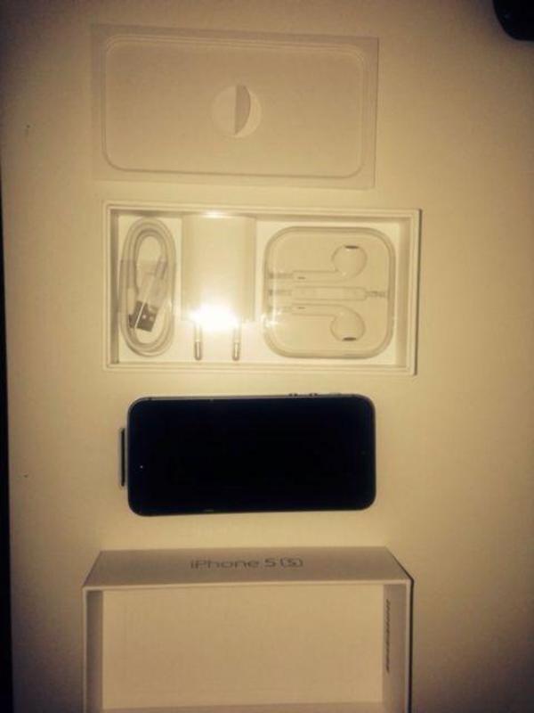 iphone 5s spacegrau 16 gb neu in ovp in lehre. Black Bedroom Furniture Sets. Home Design Ideas