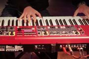 Keyboarder*in für