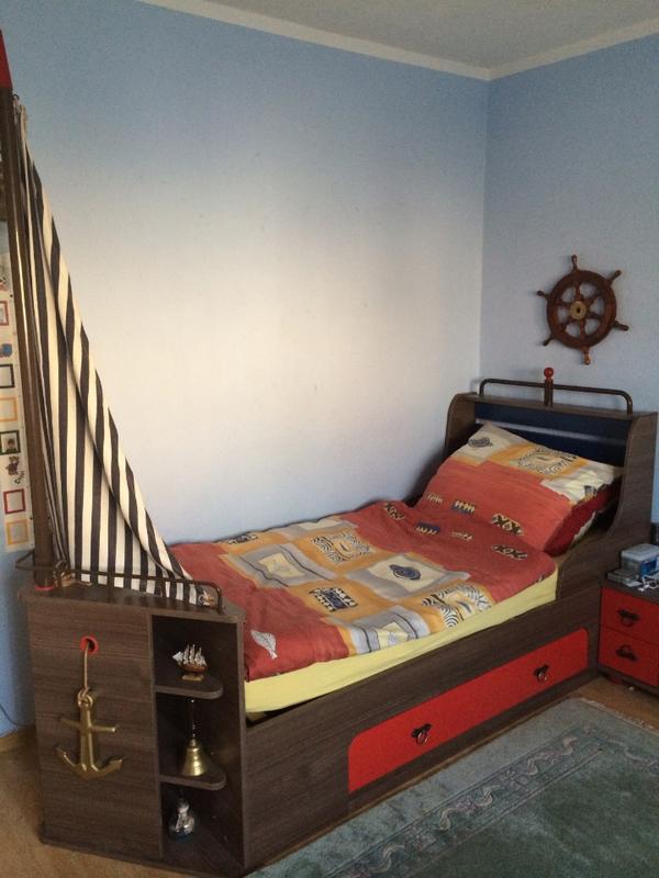 Kinderzimmer jugendzimmer mit schiffbett 39 korsan 39 np 1 for Jugendzimmer quoka