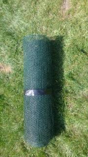 Kleintiergehege / Maschendrahtzaun, grün