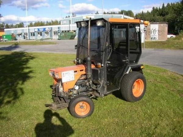 kompaktschlepper kubota b7100 in kiel landwirtschaft weinbau kaufen und verkaufen ber. Black Bedroom Furniture Sets. Home Design Ideas