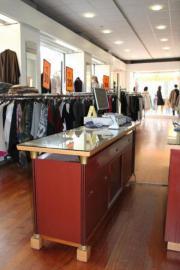 Ladeneinrichtung TEXTIL: Kleiderständer