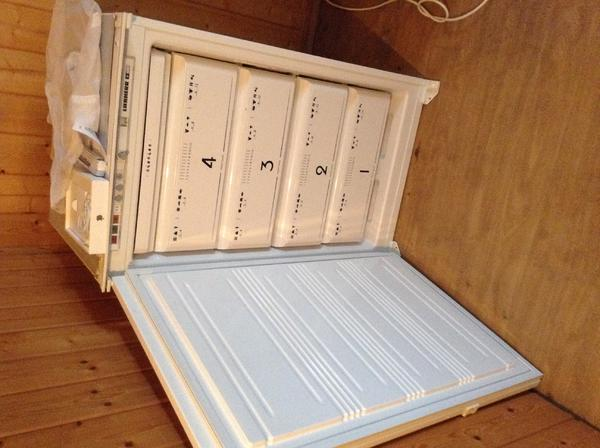 liebherr einbau gefrierschrank in wilhelmsfeld k hl und gefrierschr nke kaufen und verkaufen. Black Bedroom Furniture Sets. Home Design Ideas