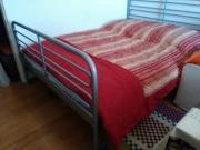 Metall Bett zu
