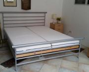 Metall-Doppelbett, silber,