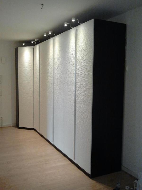 Möbelmonteur montiert Möbel in Düsseldorf   Dienstleistungen rund