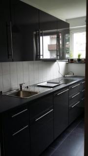 Montagen von Küchen,