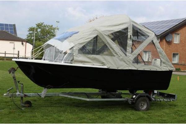 motorboot angelboot sportboot boot mit au enborder. Black Bedroom Furniture Sets. Home Design Ideas