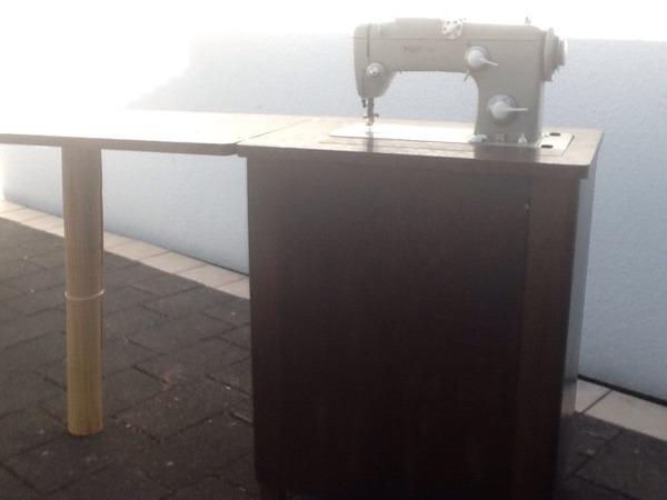Verkaufe N Hmaschine Von Pfaff Modell 260 Mit Holzschrank