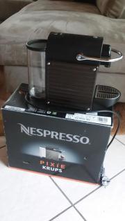 Nespressomaschine Pixi von