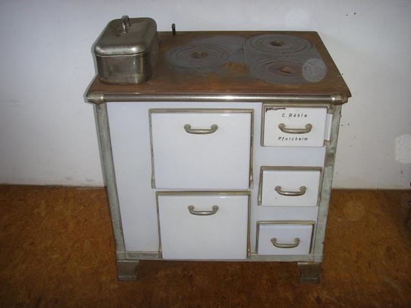 omas alter k chenherd in straubenhardt k chenherde grill mikrowelle kaufen und verkaufen. Black Bedroom Furniture Sets. Home Design Ideas